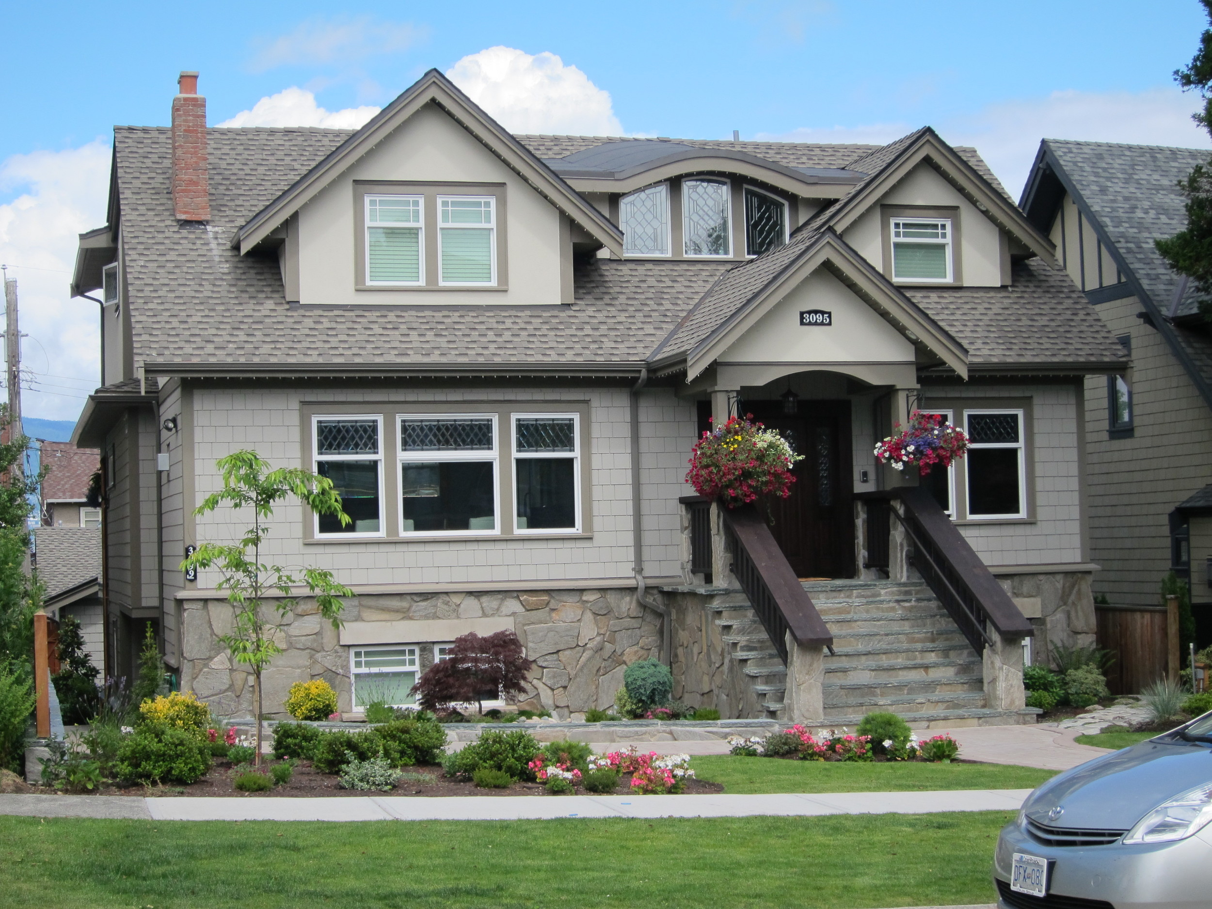 3095-W.-24th-Ave.-Vancouver-GAF-Timberline-Prestique-LT.-Weathered-Wood_WhyChoose-Crown.jpg