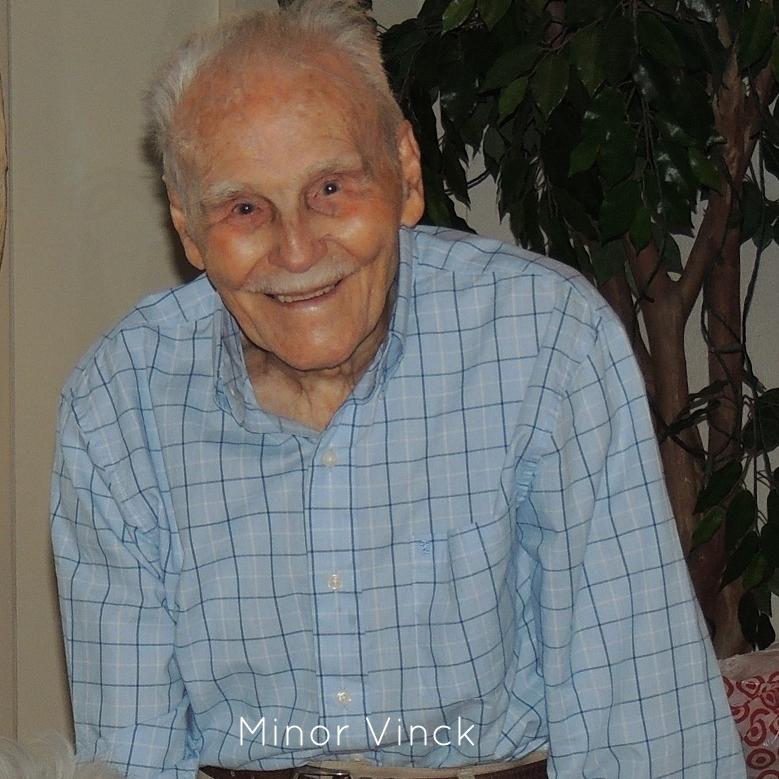 Vinck_Minor_headshot-15.jpg