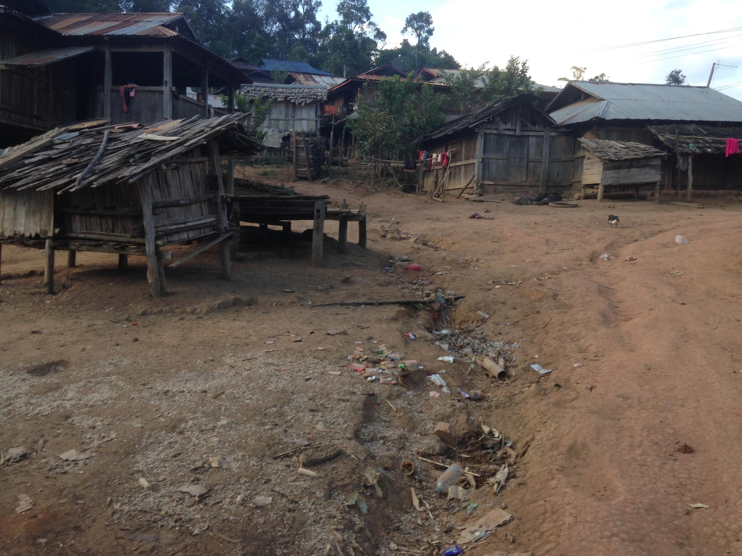 The neighboring Akha Pixo village