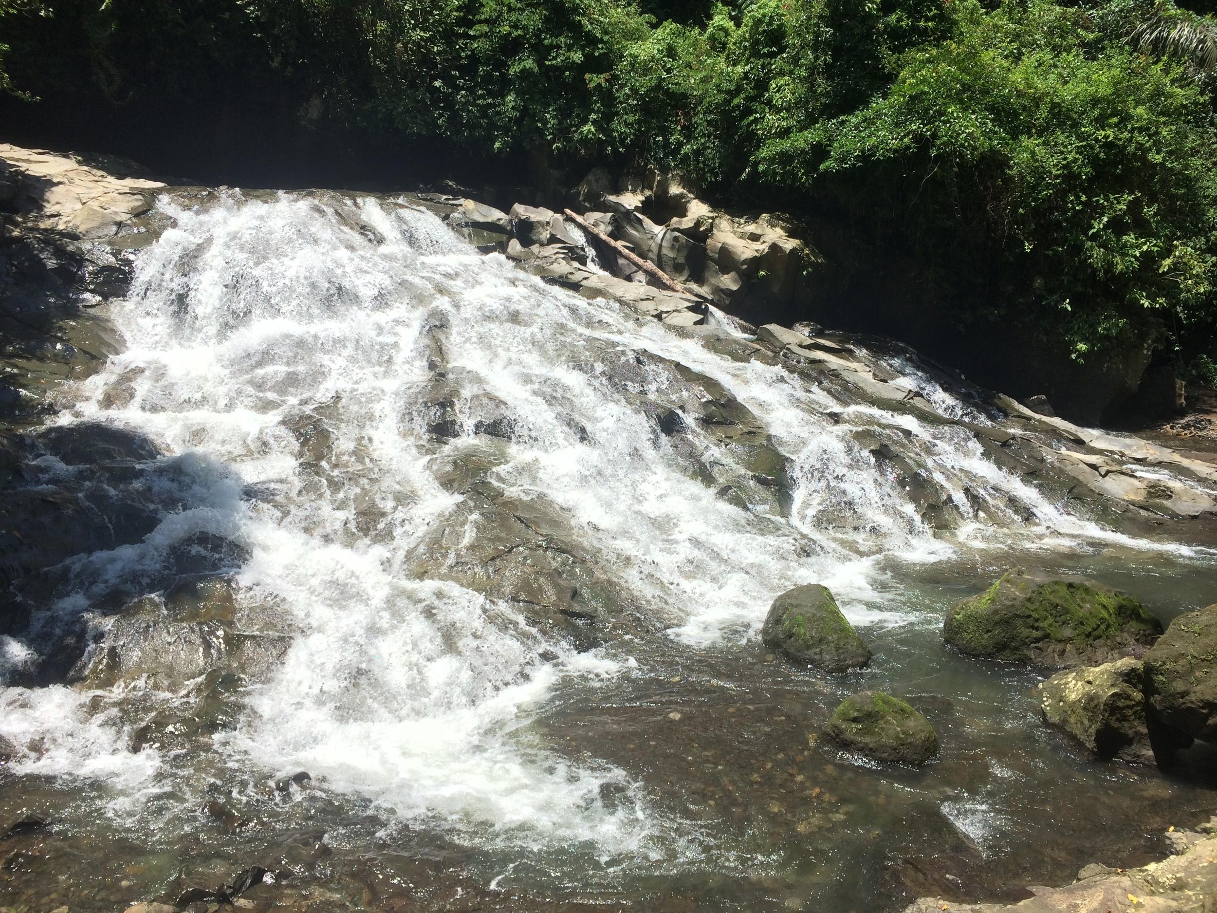 The low cascade of Goa Rang Reng