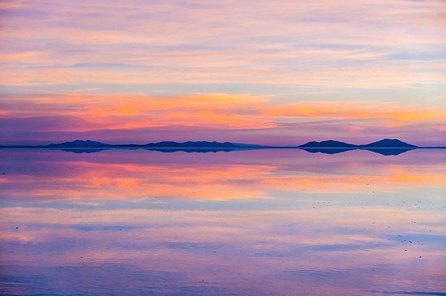 The salt flats of Uyuni. Absolutely beautiful and a dream come true. #bolivia #saltflats #uyuni #salar #photography #travel #travelledworld #travelphotography #landscapephotography #landscape #nature #adventure #sunset #optoutside #southamerica #adventuretravel #wander #reflection