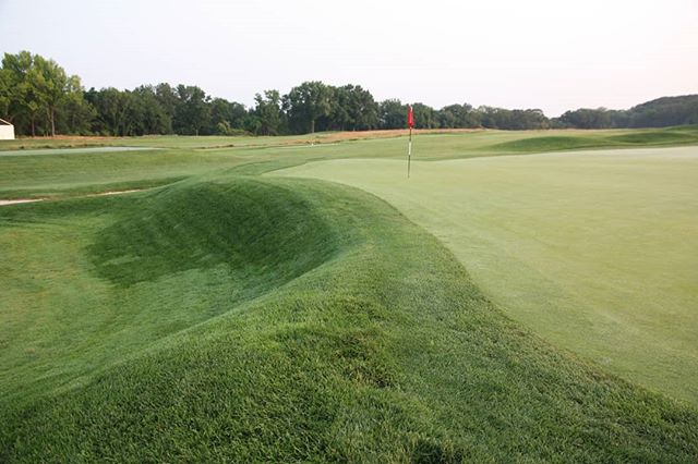 The back side of #4 at Oakmont has a great old school, push up green feel. One of the great things about OCC is the variety, especially in green sites. They are all unique and worthy of study.