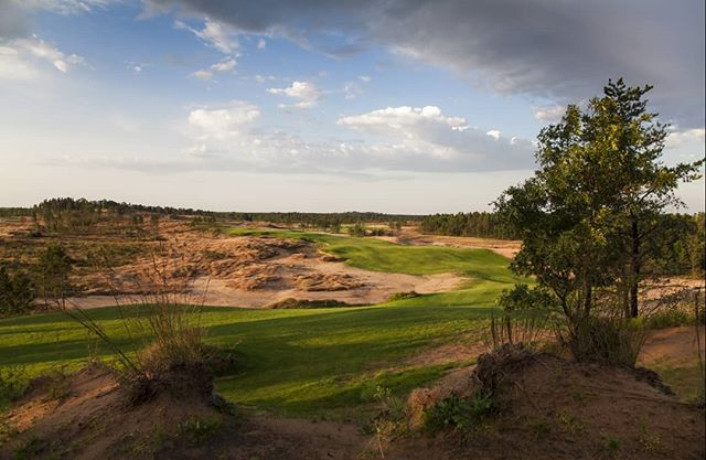 Sand valley starts with a bang on #1, short but absolutely diabolical on the approach.