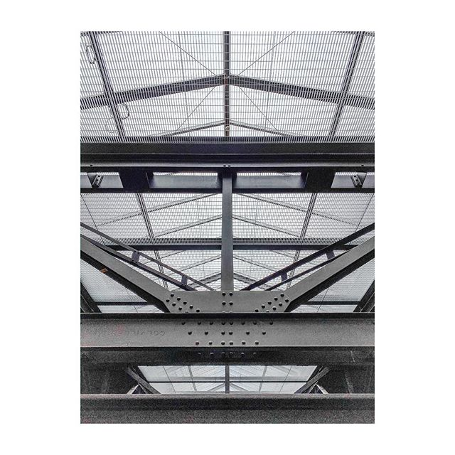 Roofs. #london #uk #tatemodernmuseum #architecture #arqgrafia #instalondon #modern