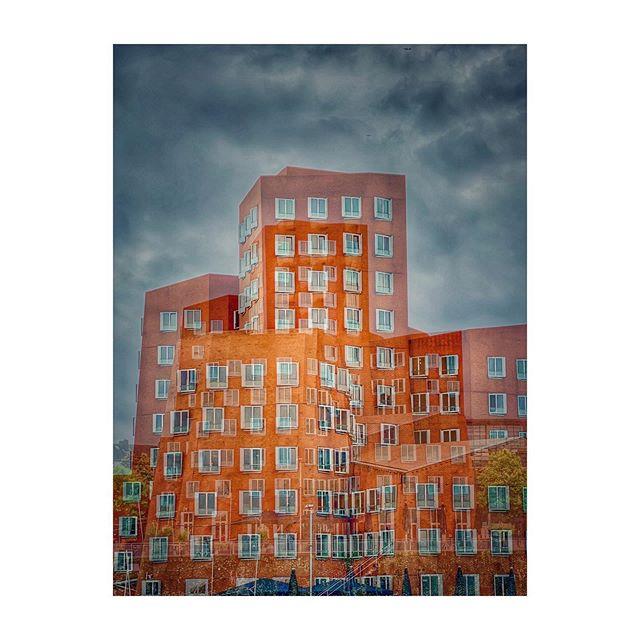 Medienhafen #medienhafendüsseldorf #DUS #doubleexposure #arquitecture #arqgrafia #instaarq #germany #fineartprint