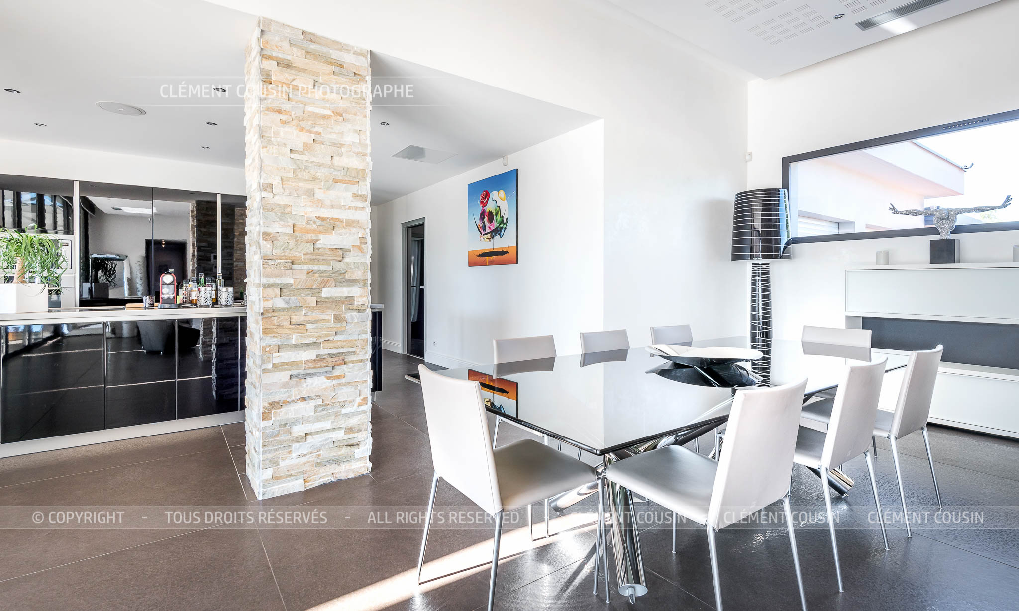 Sothebys-villa nimes-moderne-piscine-7.jpg