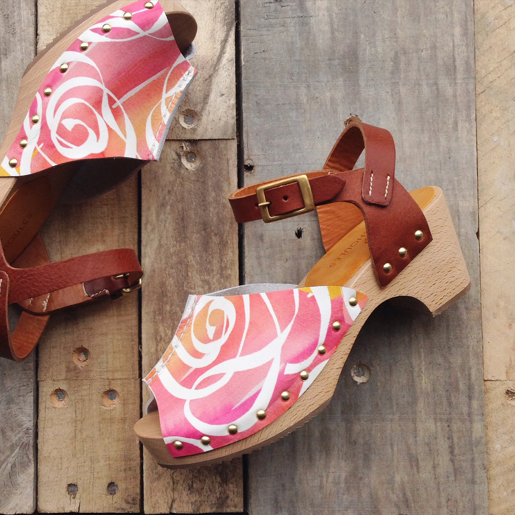 2_rose_print_clogs_insta.jpg