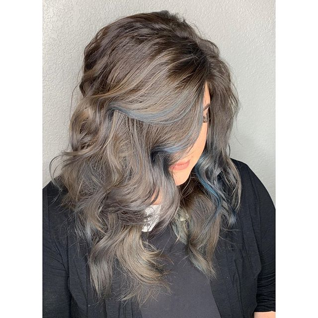 Creative Color Ash & Steel Blue bc who says you need warm hair for fall 💙 @fridabeast @salonori @mystylistnikki #mystylistnikki #creative #create #love #silverhair #blue #bluehair #fallcolor #fall #autumnhair #stpaul #mystpaul #stpaulhair #stpaulsalon #salonori #hair