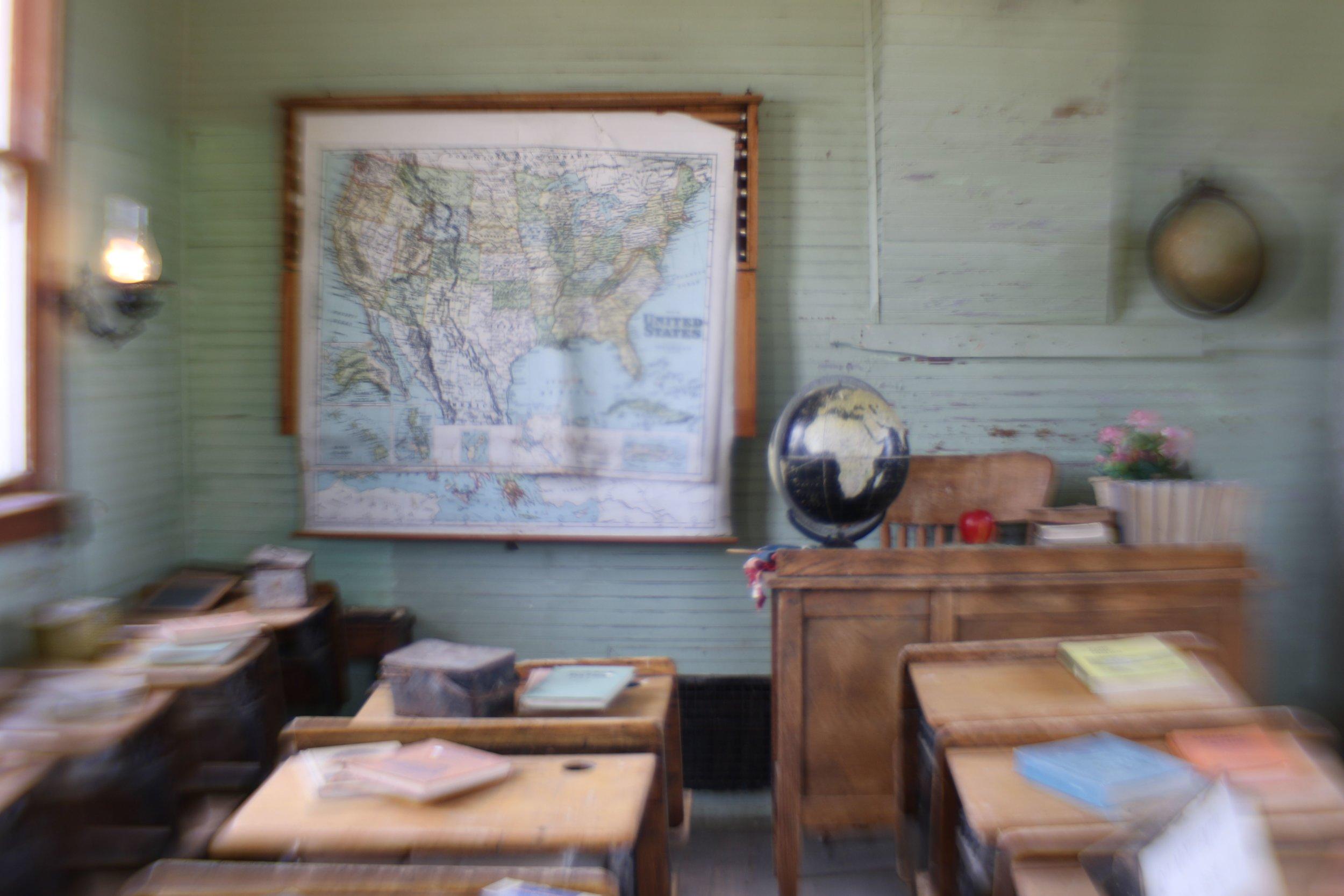 1880 schoolhouse south dakota.jpg
