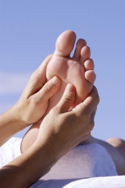 foot-massage_21254995.jpg
