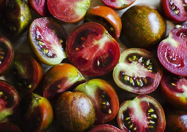 heirloom cherry tomatoes - chasing saturdays