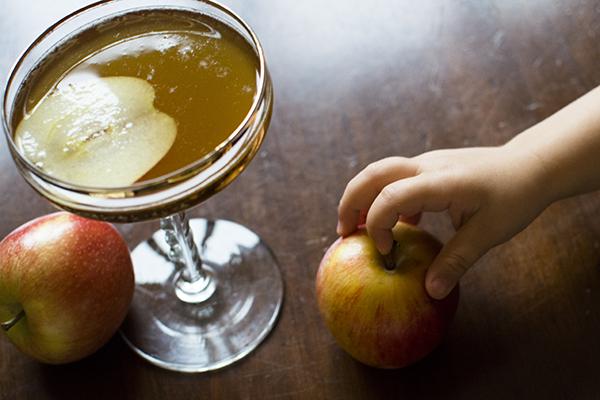 spiked caramel apple cider - chasing saturdays