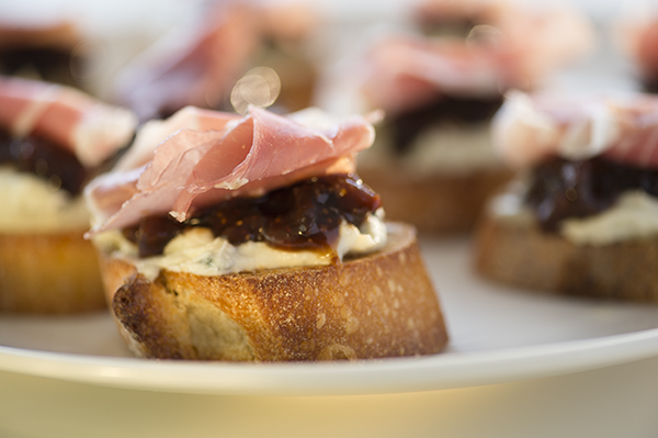 gorgonzola and mascarpone, fig jam & prosciutto crostini - chasing saturdays