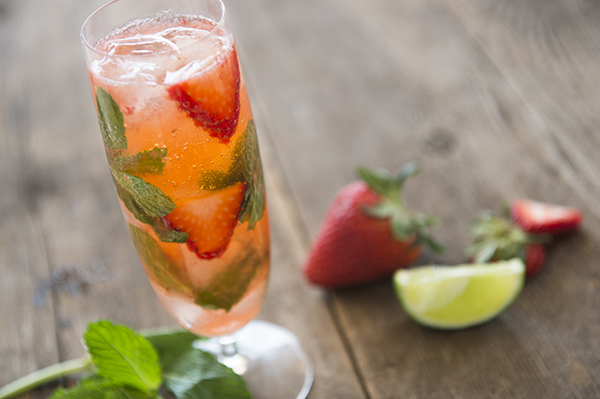 strawberry ginger fizz - chasing saturdays