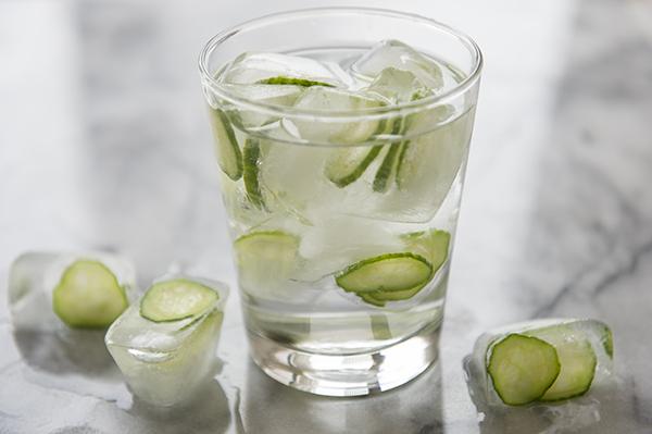 cucumber ice cubes - chasing saturdays