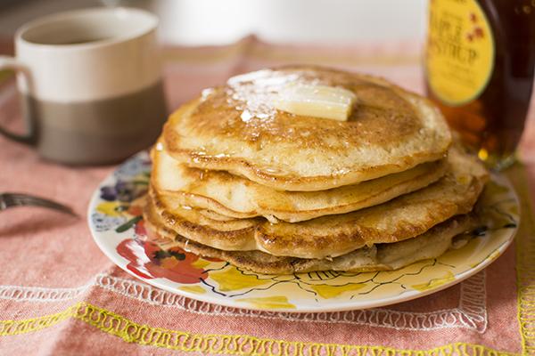 apricot cashew pancakes - chasing saturdays