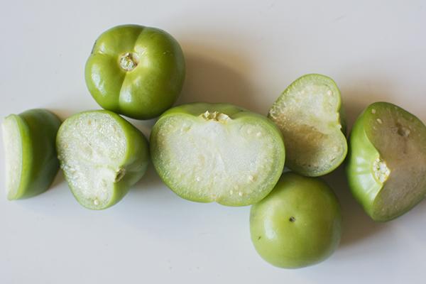 tomatillo salsa verde - chasing saturdays
