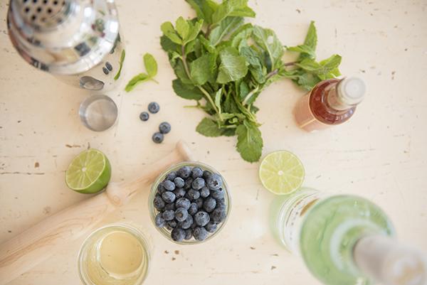 blueberry mojitos - chasing saturdays
