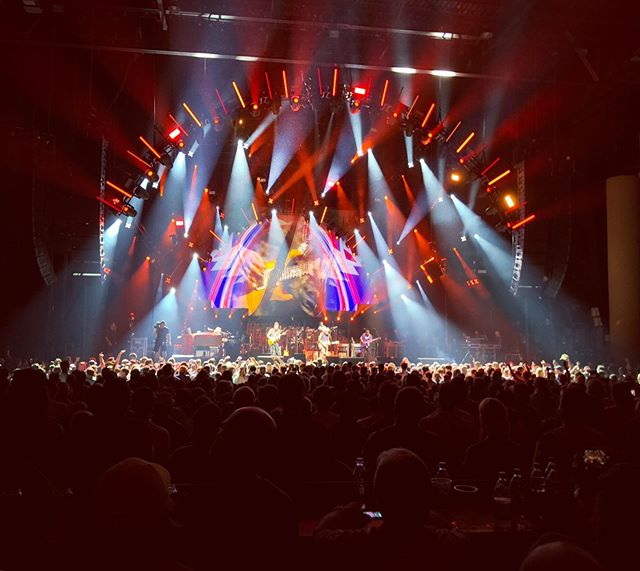 @deadandcompany Atlanta was on fire! Even though I got there after Shabbat and arrived a few songs into the 2nd set it was a great time. #terrapinstation #althea #gratefuldead thanks to my friend Josh who hooked up the VIP tix