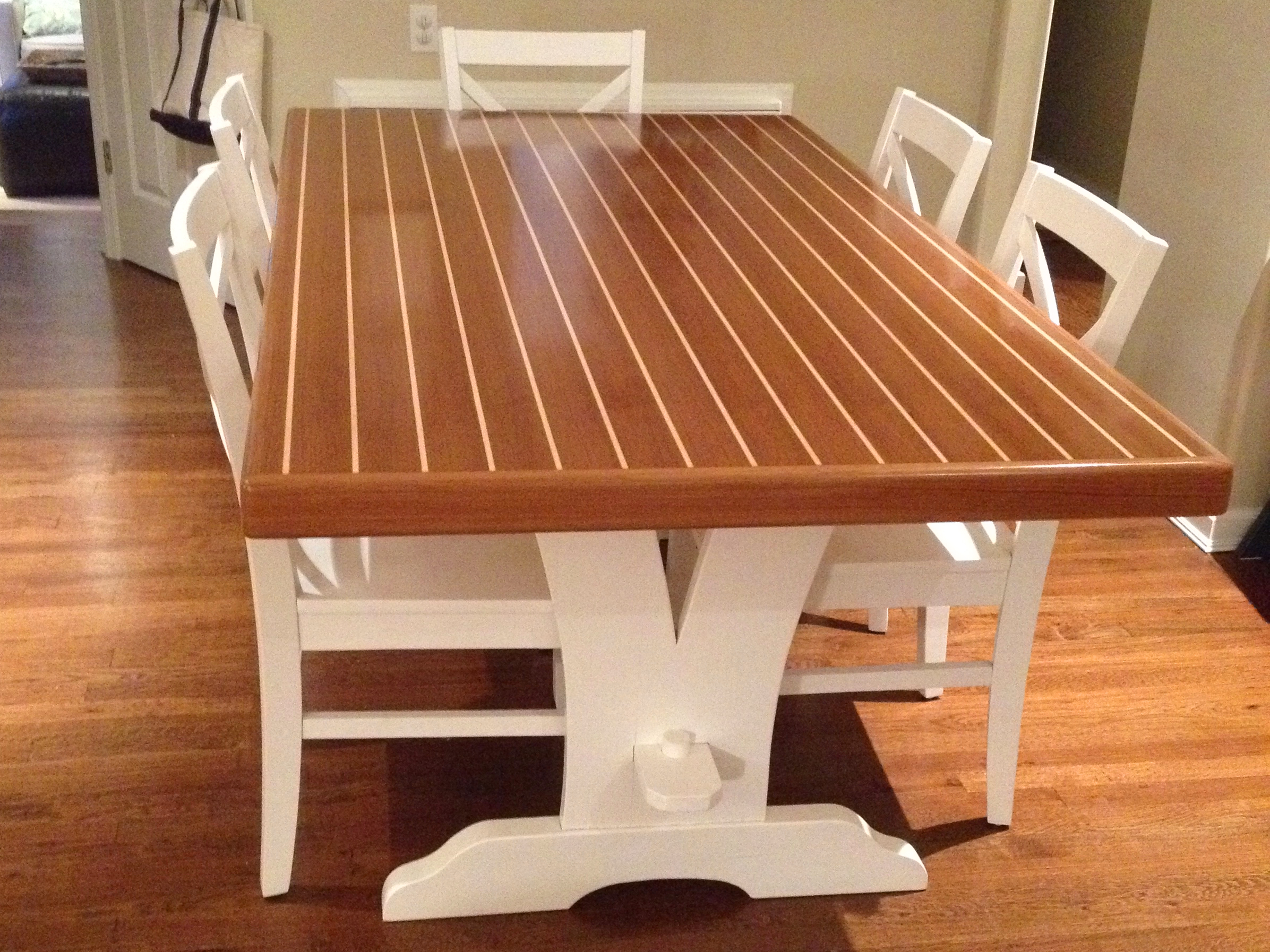 table_horizontal_2.JPG