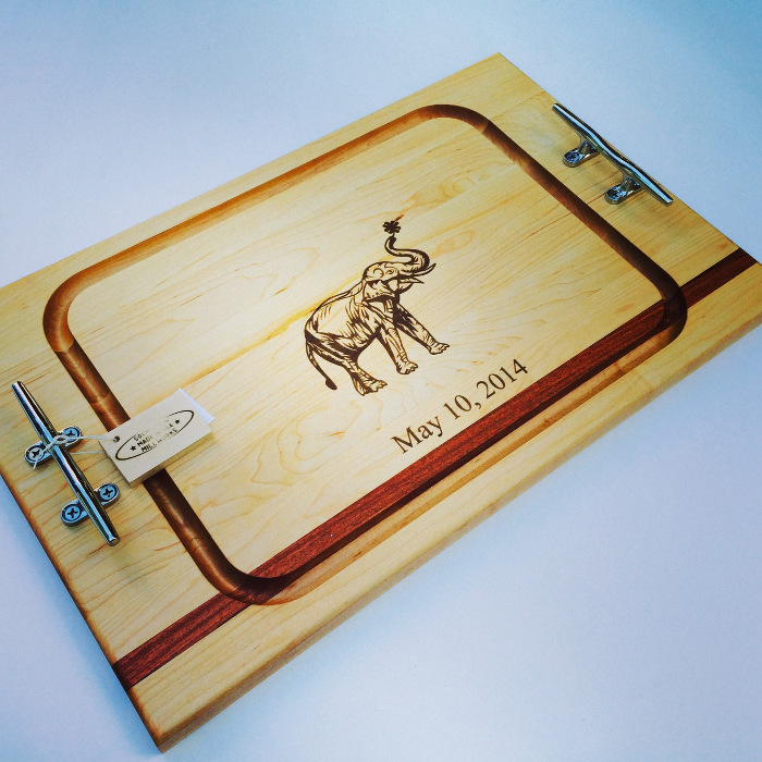 wedding_gift_cutting_board_elephant