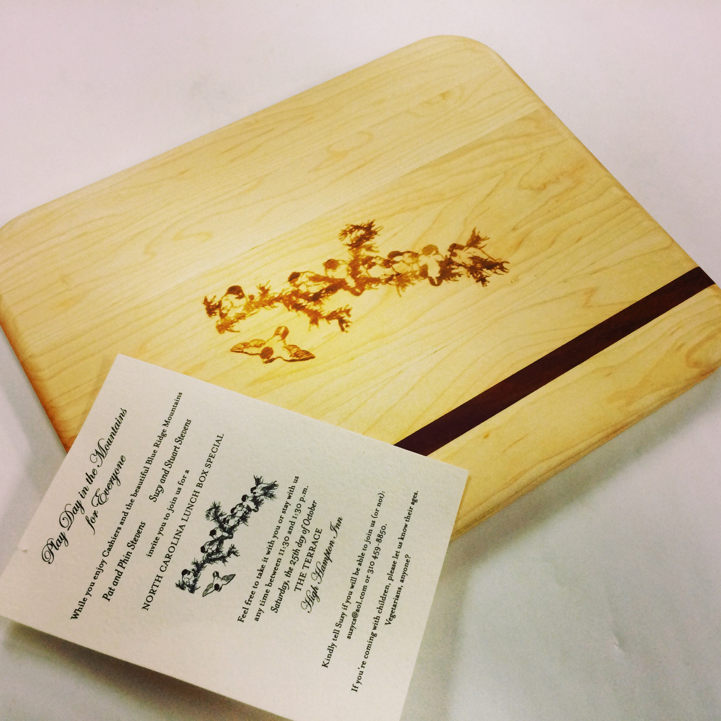 wedding_invitation_cutting_board_engraving