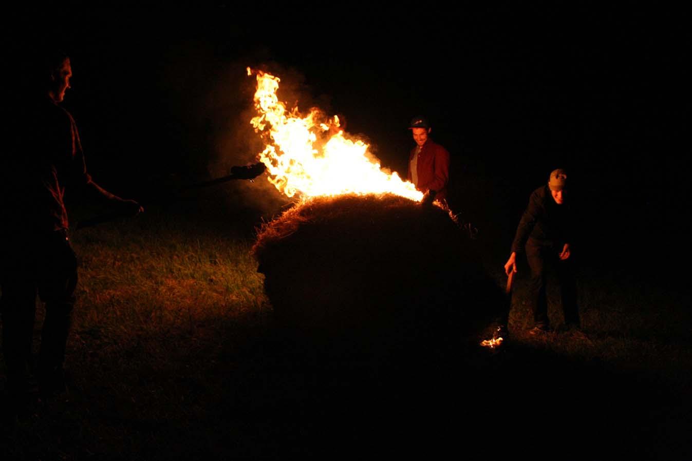Ugnies skulptūros Kornelijus Diuprė, Edgar Aškelovič, Gediminas G. Akstinas, Antanas Dubauskas