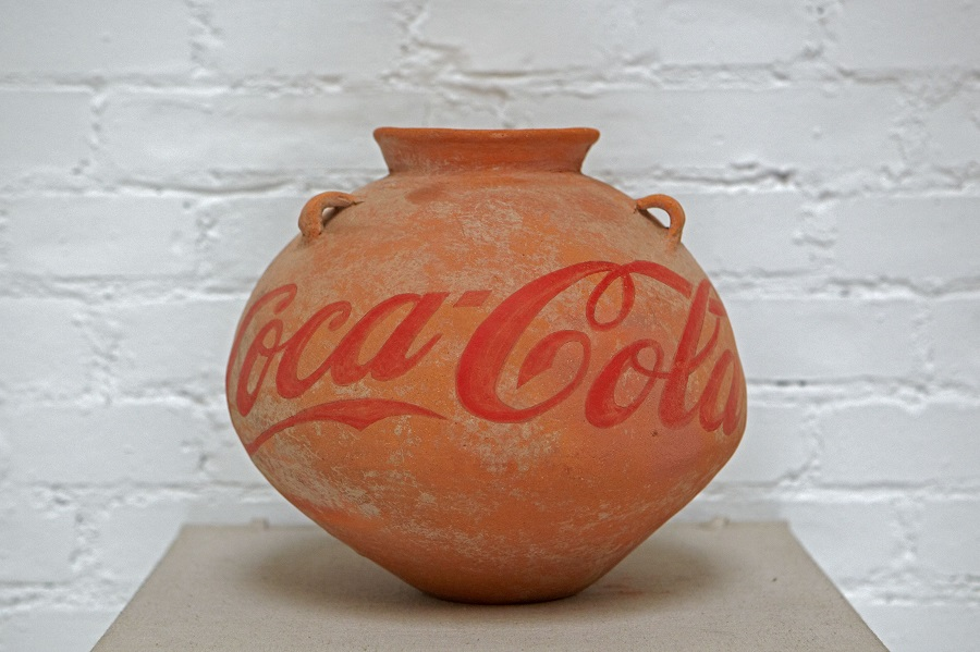 Ai_Weiwei_Neolithic_Vase_with_Coca_Cola.jpg