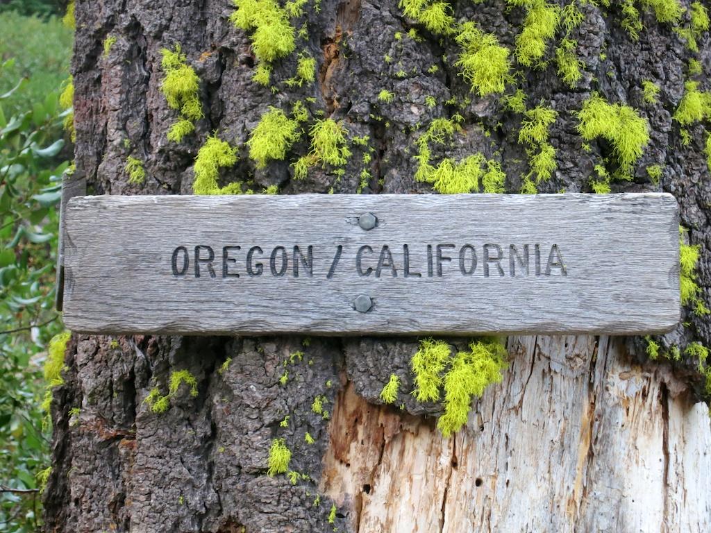 State Border Sign -  Courtesy of    HalfwayAnywere