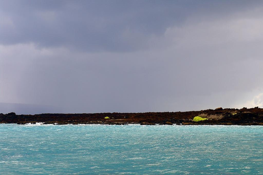 Stormy_Maui_2010-08-04_06-45-41_3 of 4©MaggieLynch2011.jpg