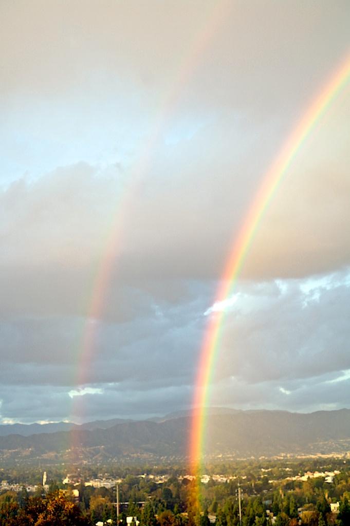 Double_rainbow_2011-10-06_06-19-14_12©MaggieLynch2011.jpg