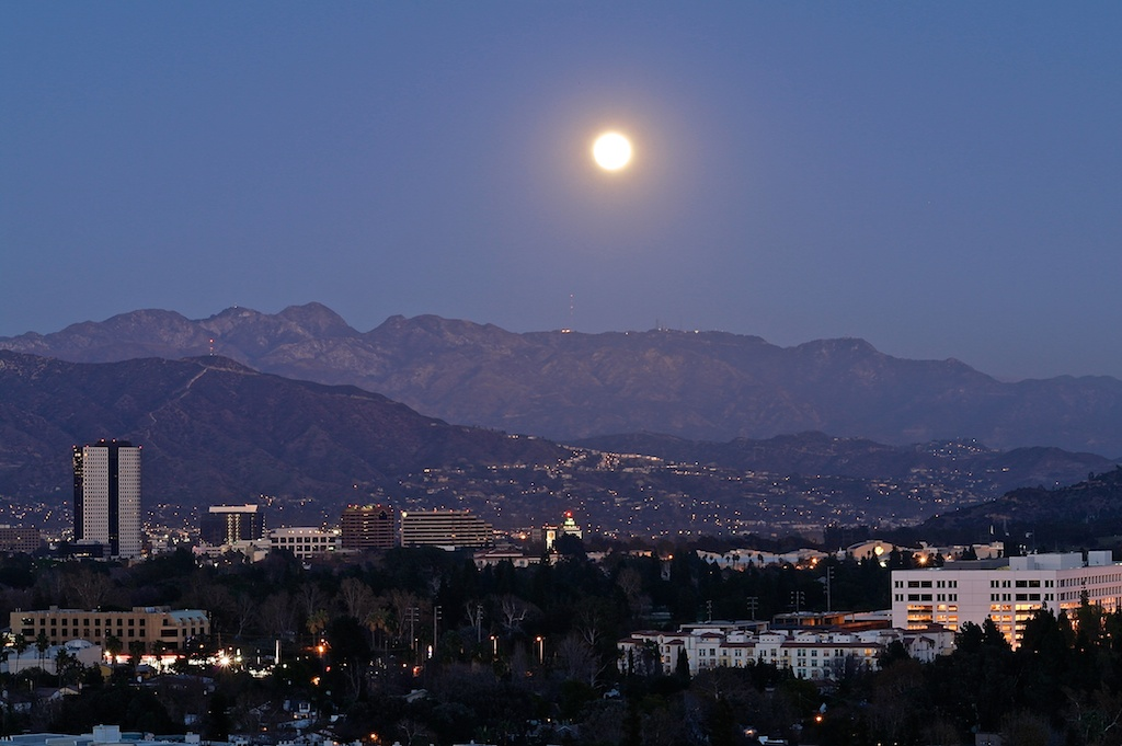 January moon_2012-01-07_17-20-58_5 of 7©MaggieLynch2011.jpg