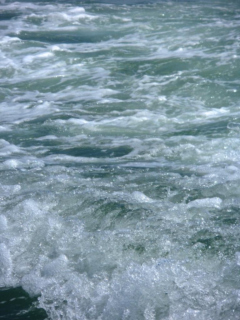 boat ride_1970-01-01_00-00-44_66©MaggieLynch2012.jpg