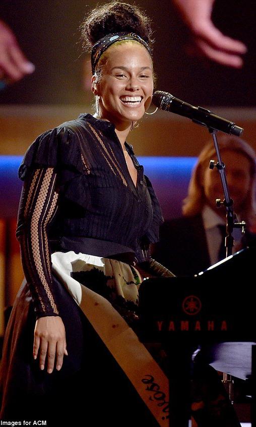 Alicia Keys wearing sophie theallet - ACM honors - september 2016.jpg