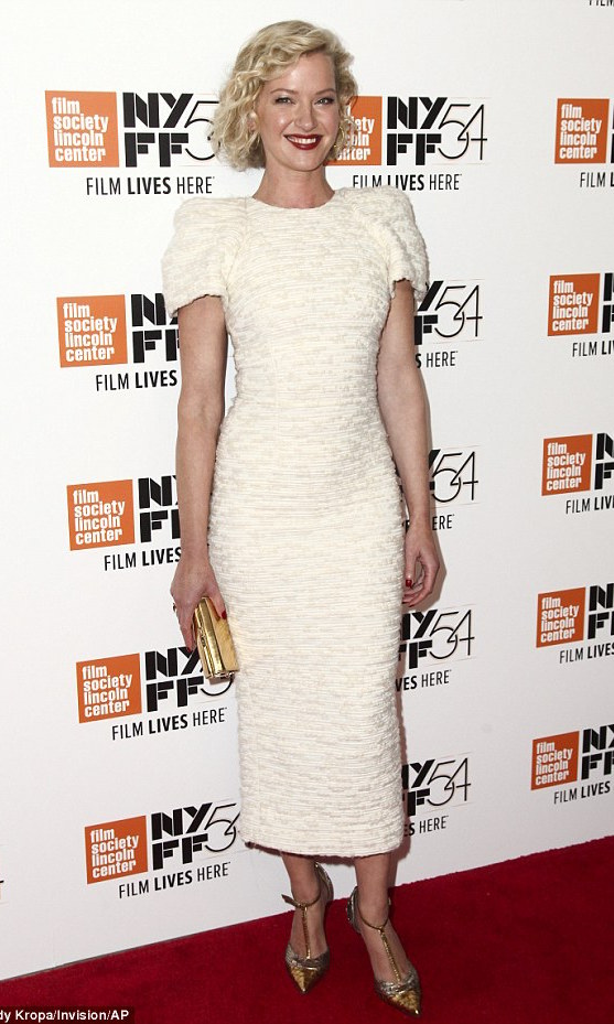 Gretchen Mol - wearing sophie theallet - 54th New York Film Festival - Manchester by the Sea - october 2016-2 copy.jpg