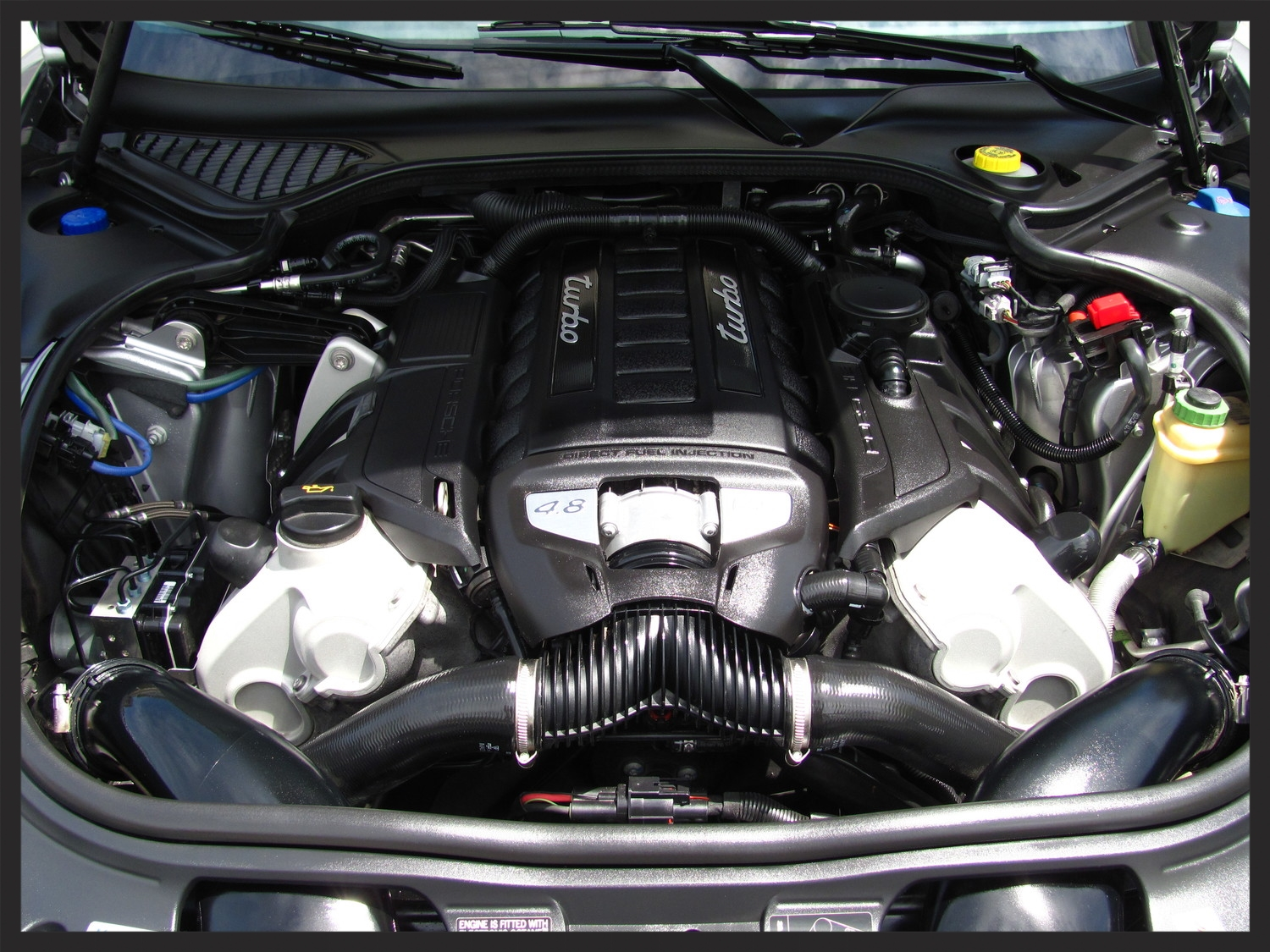 Porsche Panamera Turbo Engine