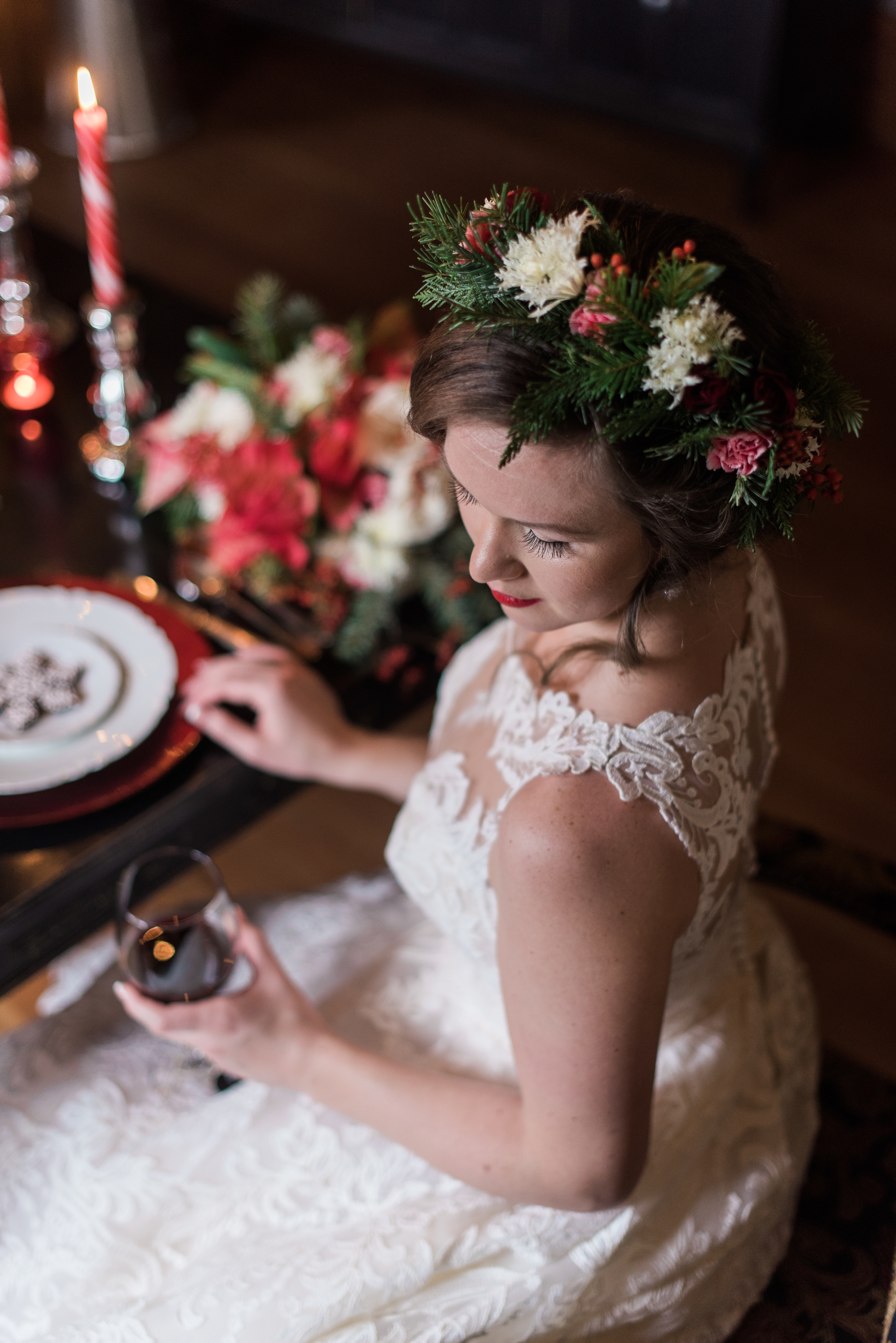 Intimate Christmas Wedding at home. Christmas cookies from Ciao