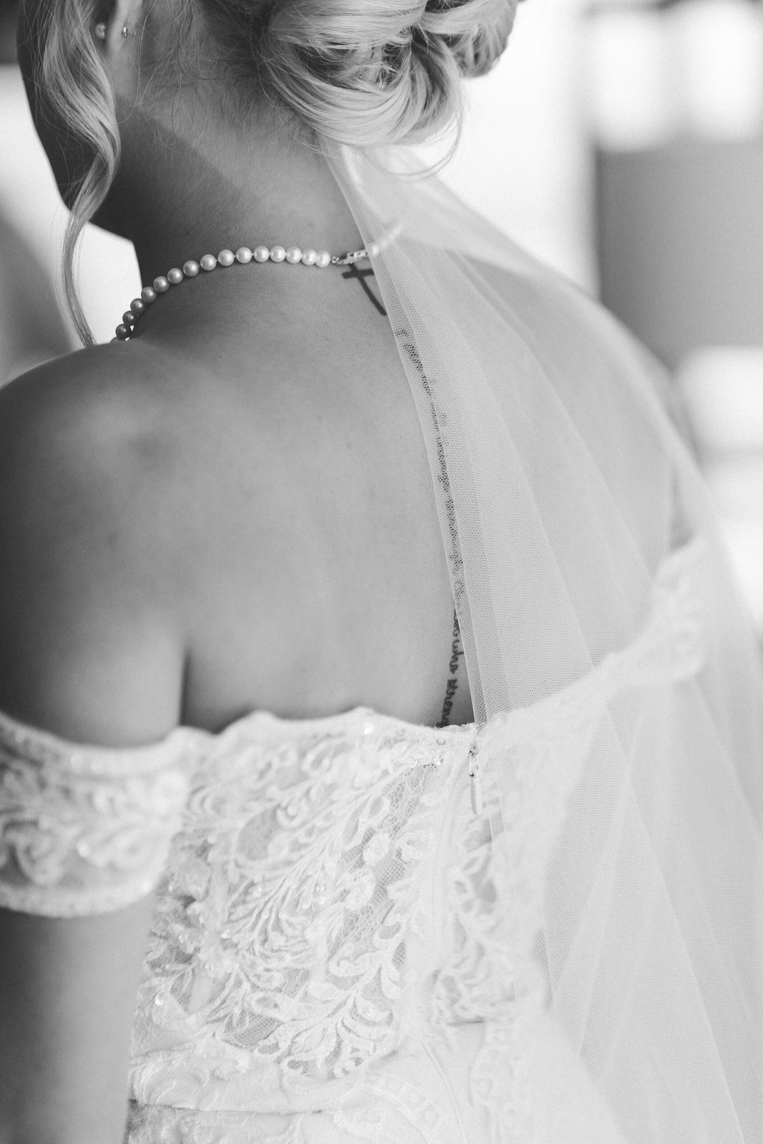 Bride with spine tatoo. Aria Sky Suite Wedding. Las Vegas strip