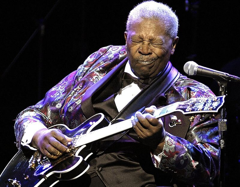 "bb king [image from chicago trib]  album rec: ""live in cook county jail"""