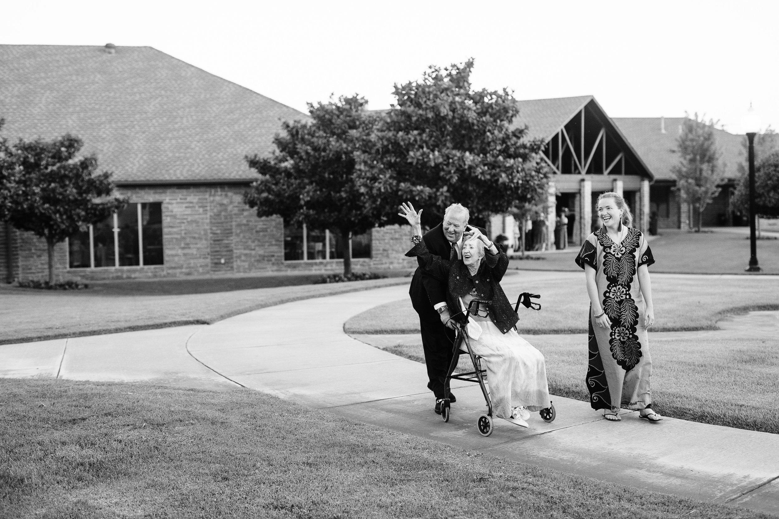okc-wedding-photographer-coles-garden-wedding-okc-best-wedding-photographers-151.jpg