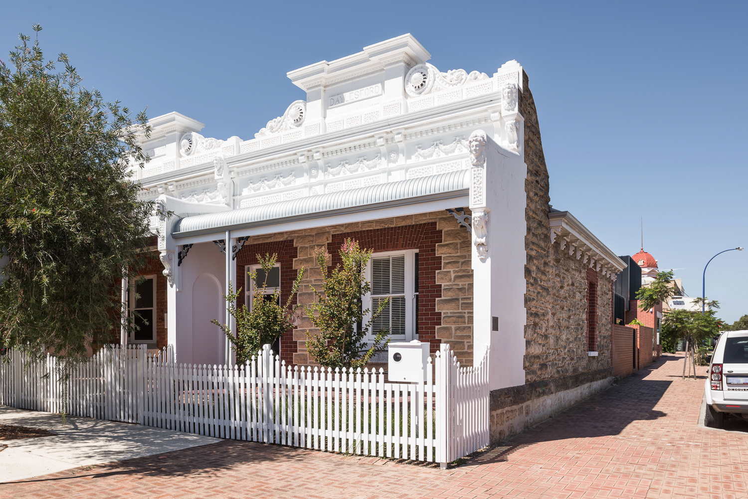King George by Robeson Architects - Heritage Listed Facade