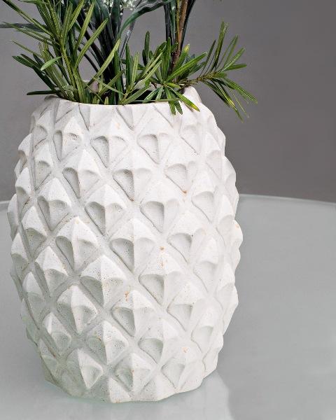 Detalia Aurora  Co-Creative Studio Pina Vase Close Up.jpg