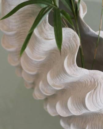 Detalia Aurora Co-Creative Studio Giant-Clam-Vase-Close-Up-2.jpg