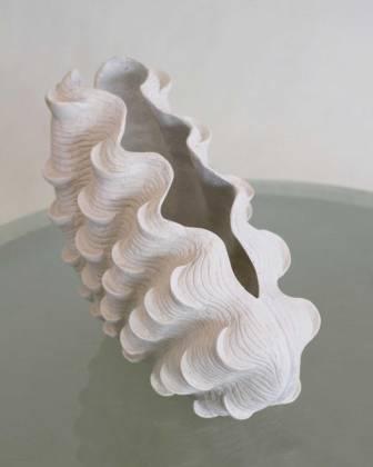 Detalia Aurora Co-Creative Studio Giant-Clam-Vase-Perspective.jpg