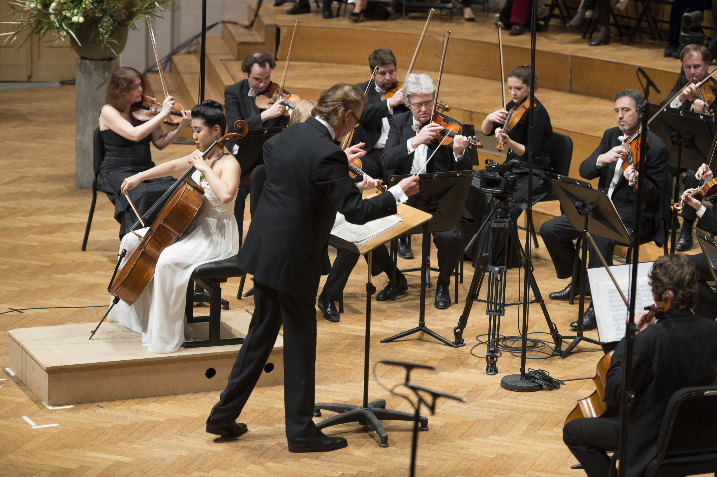 Tchaikovsky Rococo Variations with Augustin Dumay and Orchestre Royal de Chambre de Wallonie (2014)