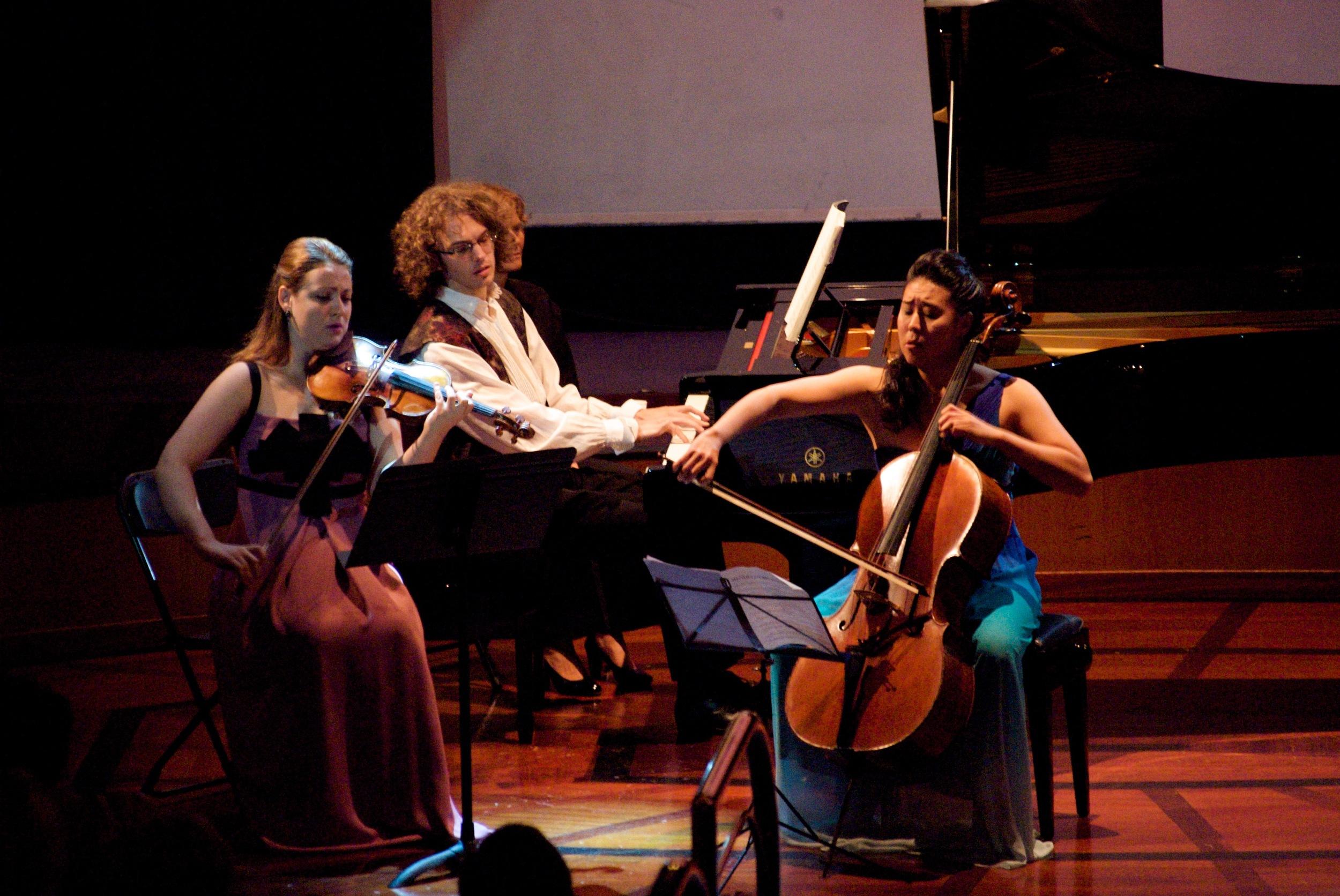 Mendelssohn Piano Trio in D minor with Elina Buksha and Julieen Libeer (2013)