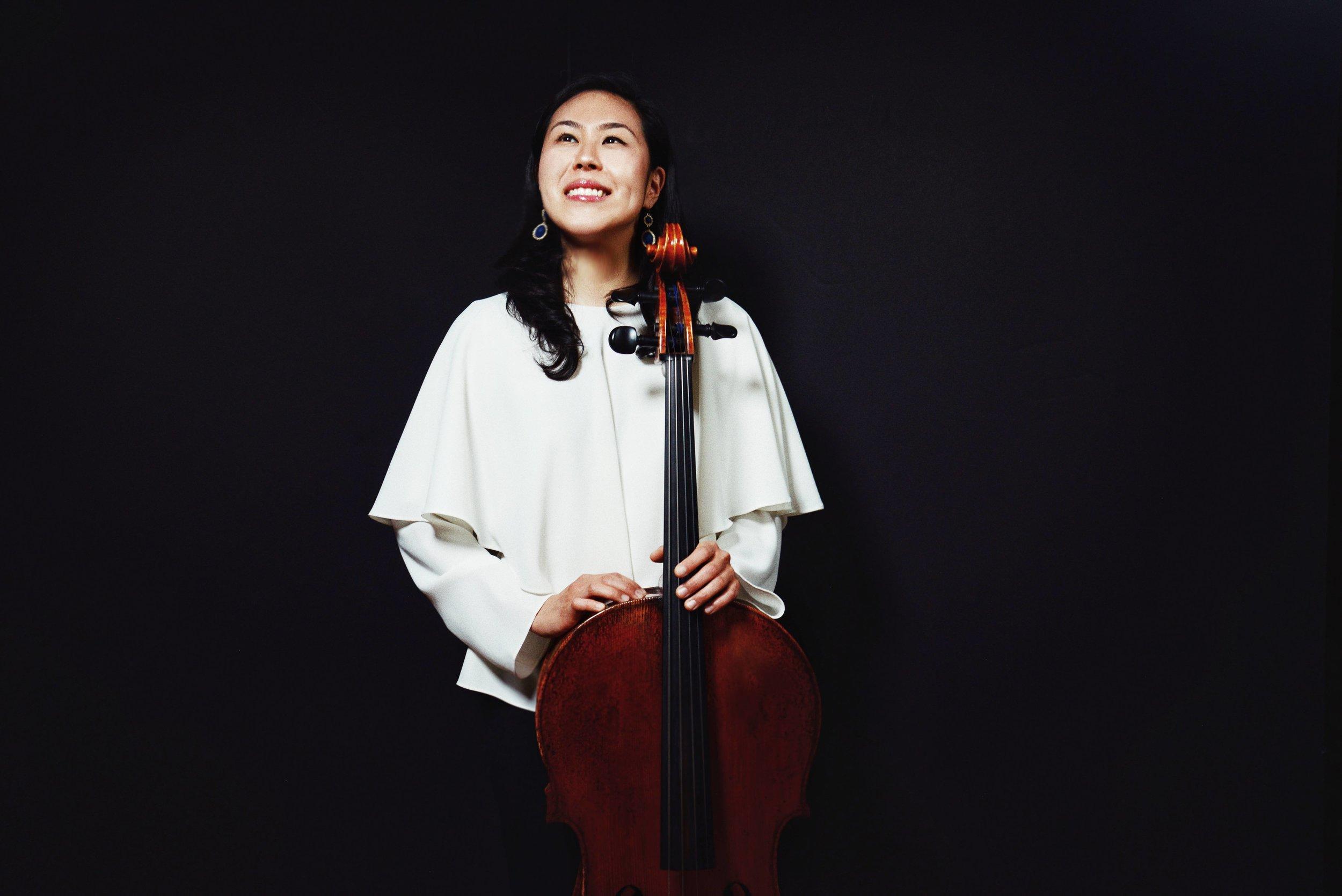 Deborah Pae, cello