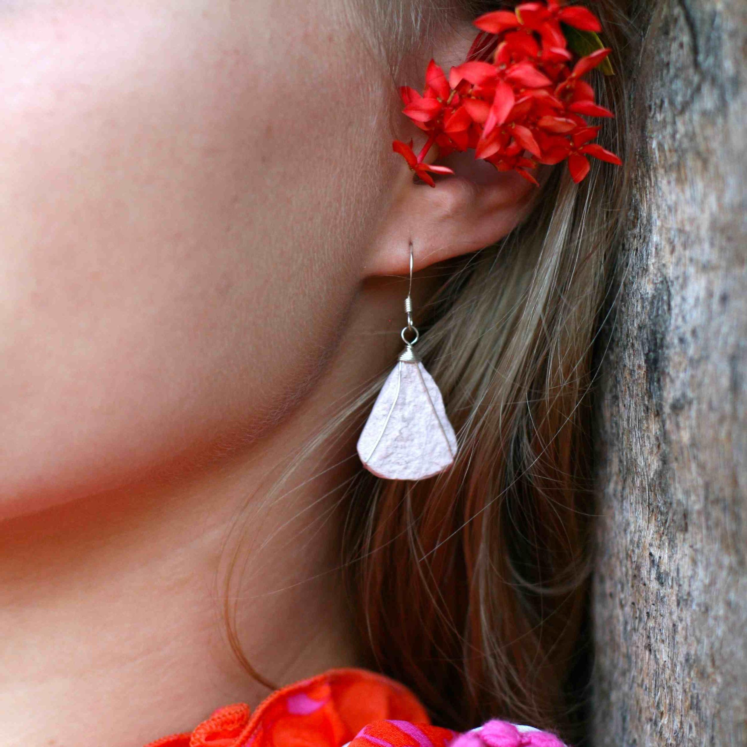 Single Tier [PINK] Stone Earrings