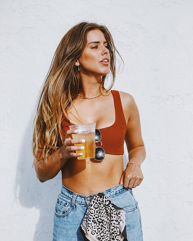 doesn't get much more ~hotgirlsummer~ than @chelseybishoff wearing heir ⭐️