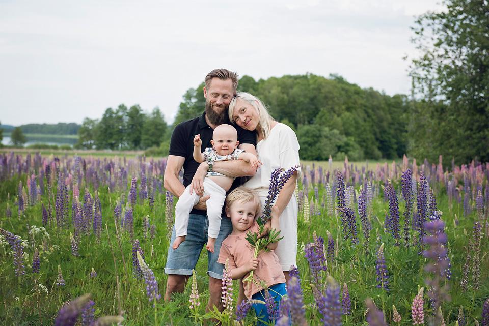 01_kronvallspixlar_familjefotografering_180610_webb_.jpg